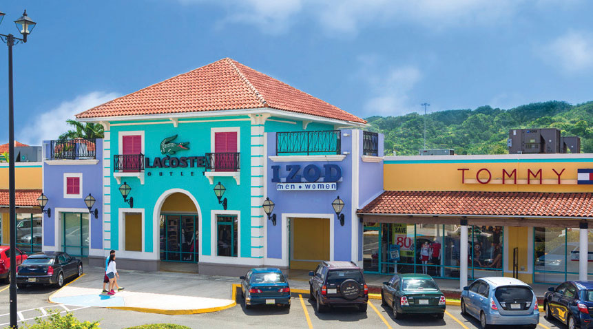 Puerto Rico Premium Outlets looks like a small colorful country village.