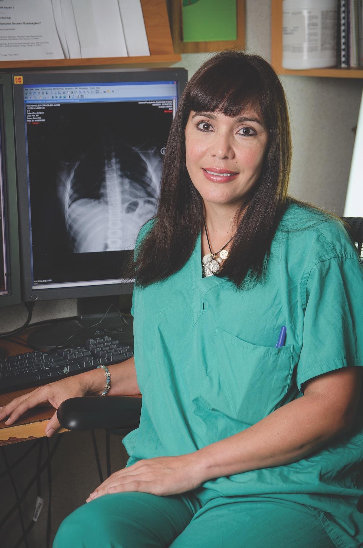 Dr. Ingrid M. Negron Valentin, orthopedic surgeon at El Presby.