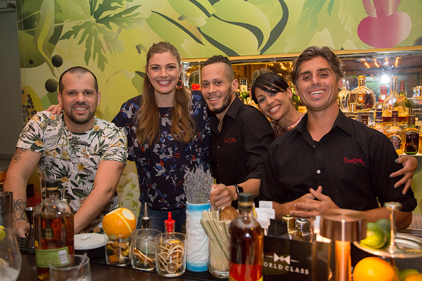 Bartender Night at Santaella. In photo, from left to right, Rafael Reyes, Lauren Mote, Jonatan Melendez, Xiomara Rosado and Michael Norat.